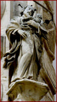 particolare di un monumento cittadino  - Scicli (2123 clic)