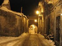 Notturno innevato centro storico  - Malvagna (13411 clic)