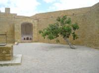 Interno castello Chiaramonte  - Naro (5170 clic)