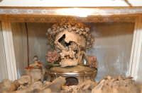 Catenanuova, sacre reliquie del Patrono San Prospero, martirizzato intorno nel 304 d.C., estratto il 27 luglio 1752 dalle catacombe di San Callisto di Roma per essere portato a Catenanuova, nel quale arrivò il 24 settembre 1752, e dove tutt'oggi si conserva all'interno della Chiesa Madre; festa ultima domenica di settembre.  - Catenanuova (2154 clic)