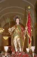Catenanuova 25 settembre 2005, festa del Patrono San Prospero martire, il rientro in Chiesa Madre.  - Catenanuova (1879 clic)