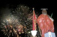 Catenanuova 25 settembre 2005, festa del Patrono San Prospero martire, gli spettacolari fuochi pirotecnici della ditta Chiarenza di Belpasso.  - Catenanuova (1705 clic)