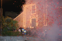 Catenanuova 25 settembre 2005, festa del Patrono San Prospero martire, la trionfale uscita dalla Chiesa Madre.  - Catenanuova (1883 clic)