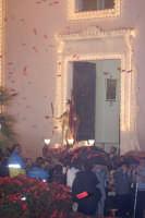 Catenanuova 25 settembre 2005, festa del Patrono San Prospero martire, la trionfale uscita dalla Chiesa Madre, pioveva ma appena il Santo uscì smesse di piovere.  - Catenanuova (2358 clic)