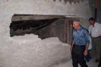 Capizzi (ME), 26 luglio 2007 Festa del Protettore San Giacomo Apostolo Maggiore - il muro dopo l'abbattimento.  - Capizzi (6115 clic)