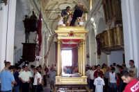 Capizzi (ME), 26 luglio 2007 Festa del Protettore San Giacomo Apostolo Maggiore - prima dell'uscita si prepara la vara lignea che accoglierà al suo interno il simulacro del Santo.  - Capizzi (5861 clic)