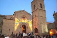 Assoro (En), 31 maggio 2007 - Festa di Santa Petronilla vergine e martire Patrona della Città; facciata principale della Chiesa Madre Basilica di San Leone del XV sec.  - Assoro (4997 clic)