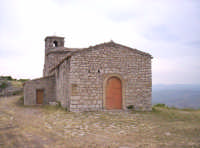 Santuario di Monte Scalpello, dedicato a Maria SS. del Rosario, edificato nel 1524 da tre eremiti Frà Filippo Dulcetto Frà Mariano e Frà Matteo Rotolo, (festa prima domenica di maggio e ottobre).   - Catenanuova (4648 clic)