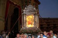 Piazza Armerina 15 agosto 2007 - Festa di Maria SS. delle Vittorie Patrona della Città e Diocesi, l'uscita dalla Cattedrale.  - Piazza armerina (4551 clic)