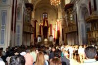 Piazza Armerina 15 agosto 2007 - Festa di Maria SS. delle Vittorie Patrona della Città e Diocesi, l'interno della Cattedrale gremita di gente durante l'Eucaristia.  - Piazza armerina (3192 clic)