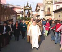 Catenauova, 19 marzo 2005, festa in onore del Patriarca S. Giuseppe, via Centuripe.  - Catenanuova (5675 clic)
