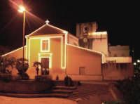 Catenanuova, Chiesa Madre sec. XVIII, illuminata per la festa del patrono S. Prospero ultima domenica di settembre.  - Catenanuova (3440 clic)
