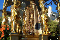 2 luglio, festa di Maria SS. della Visitazione Patrona di Enna, la nave d'oro in via Roma.  - Enna (3827 clic)