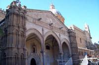 Palermo 14 luglio 2007 - 383° Festino di Santa Rosalia Patrona della Città, esterno della maestosa Cattedrale.  - Palermo (1826 clic)