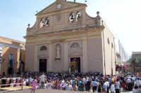 Santa Maria di Licodia, 26 agosto 2007 - Festa del Patrono San Giuseppe, la trionfale uscita dalla Chiesa Madre.  - Santa maria di licodia (2362 clic)