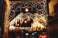 Santa Maria di Licodia, 27 agosto 2007 - Festa del Patrono San Giuseppe, la piazza illuminata a festa.  - Santa maria di licodia (3825 clic)