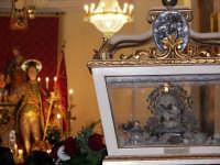 Domenica 30 settembre 2007 - la Festa di San Prospero martire Patrono di Catenanuova, verso l'uscita delle Reliquie e del Santo dalla Chiesa Madre. (Foto concessa dal carissimo Riccardo Spoto)  - Catenanuova (2283 clic)