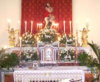 Catenanuova, Venerdì delle Palme - l'Ecce Homo sull'altare maggiore prima della processione.  - Catenanuova (1962 clic)
