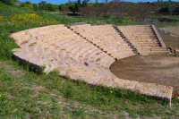 Aidone (En), MORGANTINA scavi archeologici, il teatro.  - Aidone (2976 clic)