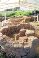 Aidone (En), MORGANTINA scavi archeologici, gli altari dedicati al mito Demetra e Kore.  - Aidone (3425 clic)