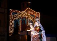 Catenanuova 23 settembre 2007 - Festa di Maria SS. delle Grazie compatrona della città, momenti della processione, sullo sfondo la Chiesa Maria SS. Immacolata. (Foto Riccardo Spoto)  - Catenanuova (1787 clic)