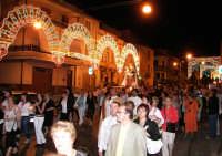 Catenanuova 23 settembre 2007 - Festa di Maria SS. delle Grazie compatrona della città, la processione sul corso Vittorio Emanuele III. (Foto Riccardo Spoto)  - Catenanuova (1752 clic)
