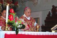 Palazzolo Acreide (SR) - 29 giugno 2007 festa di San Paolo Apostolo Patrono della Città, Mons. Luigi Bommarito Arcivescovo Metropolita Emerito di Catania celebra il solenne pontificale che precede la sciuta.  - Palazzolo acreide (2132 clic)
