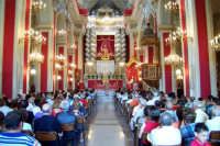 Palazzolo Acreide (SR) - 29 giugno 2007 festa di San Paolo Apostolo Patrono della Città, interno della Basilica addobbata a festa.  - Palazzolo acreide (1850 clic)