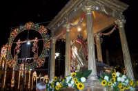 Regalbuto 11 agosto 2007 - Festa del Patrono San Vito martire, inizia la processione.  - Regalbuto (1988 clic)