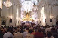 Regalbuto 11 agosto 2007 - Festa del Patrono San Vito martire, la solenne Eucaristia presieduta dal Vescovo di Nicosia Mons. Salvatore Pappalardo.  - Regalbuto (5835 clic)