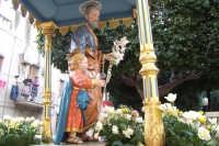 Catenanuova - festa di San Giuseppe 19 marzo 2007, particolare della statua lignea di autore ignoto del 1738  - Catenanuova (2056 clic)