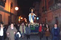 Catenanuova, 8 dicembre 2006, festa in onore di Maria SS. Immacolata, la processione in via Umberto.  - Catenanuova (1673 clic)