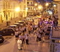 Catenanuova (EN), 10 giugno 2007 Solennità del Corpus Domini, la processione in piazza Madonna del Rosario. (Foto concessa dal carissimo Nicolò Fiorenza)  - Catenanuova (2039 clic)
