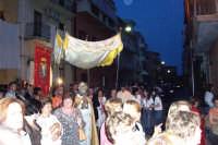 Catenanuova (EN), 10 giugno 2007 Solennità del Corpus Domini, la processione in via Umberto. (Foto concessa dal carissimo Nicolò Fiorenza)  - Catenanuova (1737 clic)