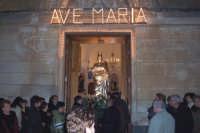 Catenanuova, 13 dicembre 2006, Festa di Santa Lucia Vergine e Martire Siracusana; la festosa uscita dalla Chiesa Maria SS. Immacolata dove viene custodita durante l'anno.  - Catenanuova (2079 clic)