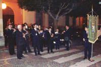 Catenanuova, 22.11.'05 festa di Santa Cecilia l'uscita dalla sala musica, luogo di incontro del locale Corpo Bandistico G. Verdi. (Foto concessa dal carissimo Nicolò Fiorenza)   - Catenanuova (1742 clic)