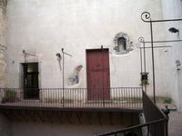 corridoio  con vista sull'atrio del castello   Durante i restauri   scoperte alcune nicchie. Foto peppino carollo.  - Castelbuono (5173 clic)