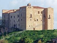 il castello, da visitare   - Castelbuono (2290 clic)