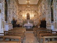 Cappella Cappella. All'interno del castello,ove è custodito il teschio di S.Anna patrona di Castelbuono. Si notano stucchi del Serpotta. Foto peppino carollo   - Castelbuono (9209 clic)