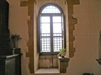 interno del castello. Una delle tante stanze con finestra. Foto peppino carollo.   - Castelbuono (4441 clic)