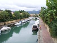 portorosa  Canale artificiale navigabile                                                                          Foto peppino carollo.  - Porto rosa (5687 clic)