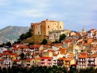 Castelbuono prov.Palermo Castelbuono uno scorcio del paese con il castello  CASTELBUONO  carollo giu