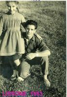 LISSONE  1953     (Foto di Bruno Marino)  CON MIA SORELLA LINUCCIA POCO DOPO IL NOSTRO   TRASFERIMENTO IN LOMBARDIA. LISSONE(MI)1953  - Ragusa (2953 clic)