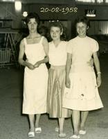 GIOVANE...BIMBE  1958           (Foto di Bruno Marino) BELLE RAGAZZE IN VACANZA A RIMINI NEL 1958  - Ragusa (3958 clic)