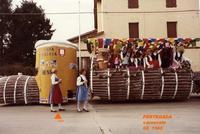 CARNEVALE  1985     (Foto di Bruno Marino)  IL BELLISSIMO E ORIGINALE CARRO ALLEGORICO DELLA  BIRRERIA EHNRY PRIMO IN CLASSIFICA SIA PER IL   TEMA E ANCHE PER I COSTUMI DELLE BELLE RAGAZZE  PER LA GIOIA DEGLI OCCHI...E..ALTRO!!!    PERTEGADA (UD) FEB. 1985  - Ragusa (3028 clic)