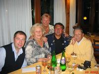 UN SESSANTESIMO COMPLEANNO FESTEGGIATO  CON I FIOCCHI-IN ALLEGRIA!      PER JANINKA LUGUGNANA 2005  - Ragusa (3931 clic)
