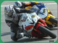 CENTAURI  2008      (Foto di Bruno Marino)  UNA BELLA FOTO DI IMPEGNO SPORTIVO.  MORENO(71) IN LOTTA PER BATTERE L'AVVERSARIO.    MISANO SETT.2008    - Ragusa (3134 clic)