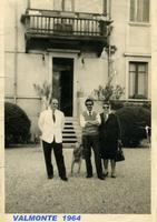 FAM. MARINO H.VALMONTE (Foto di Bruno Marino) FAM. MARINO GESTORI HOTEL VALMONTE ANNO 1964  CINISELLO BALSAMO (MI)  - Ragusa (4049 clic)