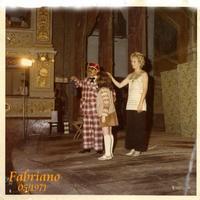 A  FABRIANO   1971         (Foto di Bruno Marino)  BRUNO COMICO DELLA COMPAGNIA HENRY FABRIANO 1971  - Ragusa (4595 clic)