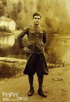 GIOVANNI MARINO  1930       (Foto di Bruno Marino)  MILITARE della GUARDIA di FINANZA in CONFINE   ANNO 1930  - Ragusa (3442 clic)